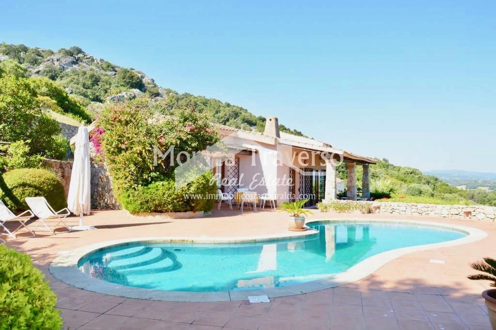Villa con piscina San Pantaleo Costa Smeralda